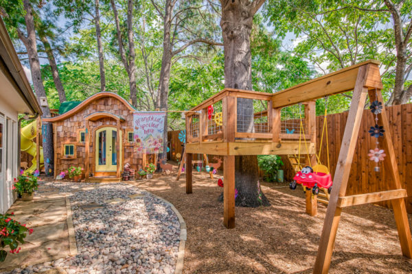 Custom hobbit house playhouse made by Wish To Play   www.wishtoplay.com